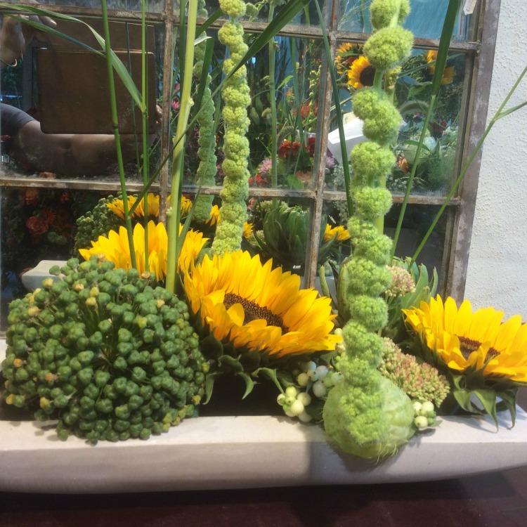 Innenraum-Firmenservice-Blumen-Bender